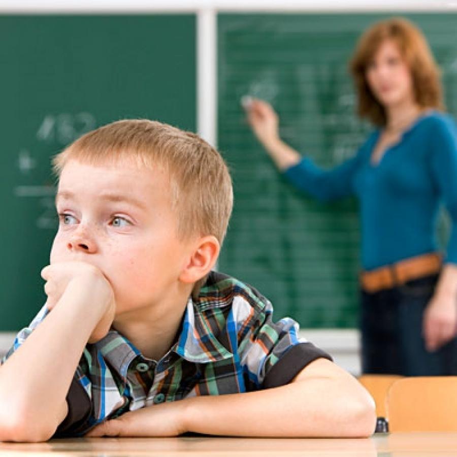 Trẻ kém tập trung học tập phải làm sao?